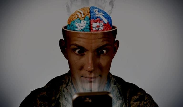 3 Niebezpieczne powody dla których powinieneś przestać używać smartfona w nocy