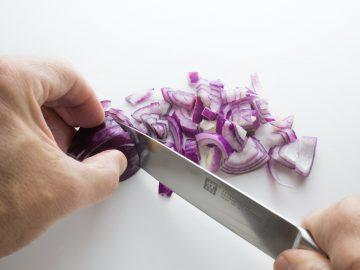 Syrop z cebuli – właściwości, działanie, przepis